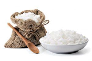 Солевые повязки на суставы: показания и как действует компресс из соли